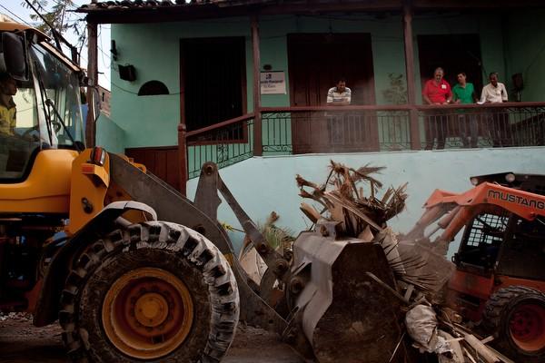 Un año despues:  Los efectos latentes del huracán Sandy en Cuba  Poole_16