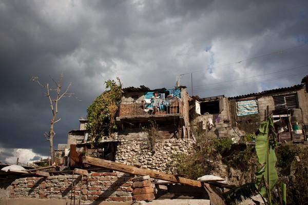 Un año despues:  Los efectos latentes del huracán Sandy en Cuba  Poole_18