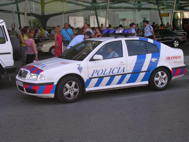 Skoda au service de la police - Page 2 00000010