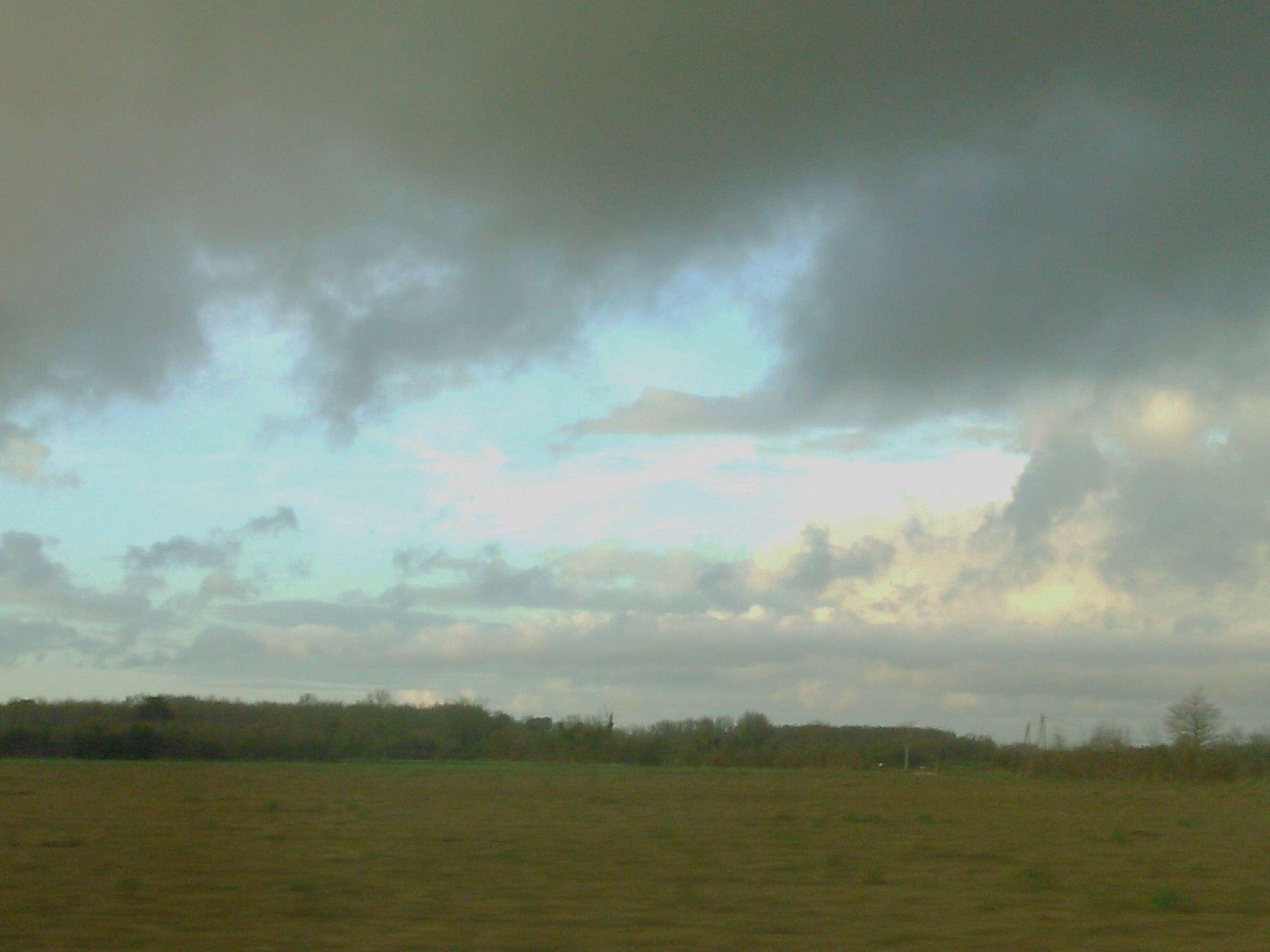37 - Les nuages..... photos reçues  - Page 4 Dsc_0149