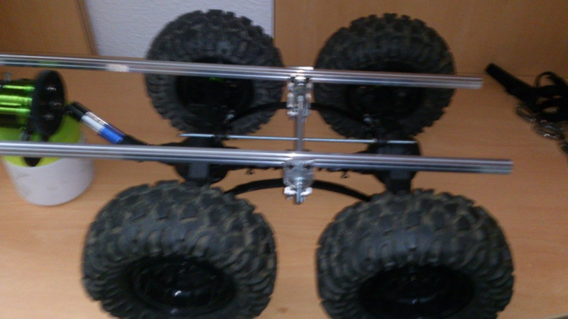 Unimog U5000 6x6  sur base axial - Page 2 Cm131112