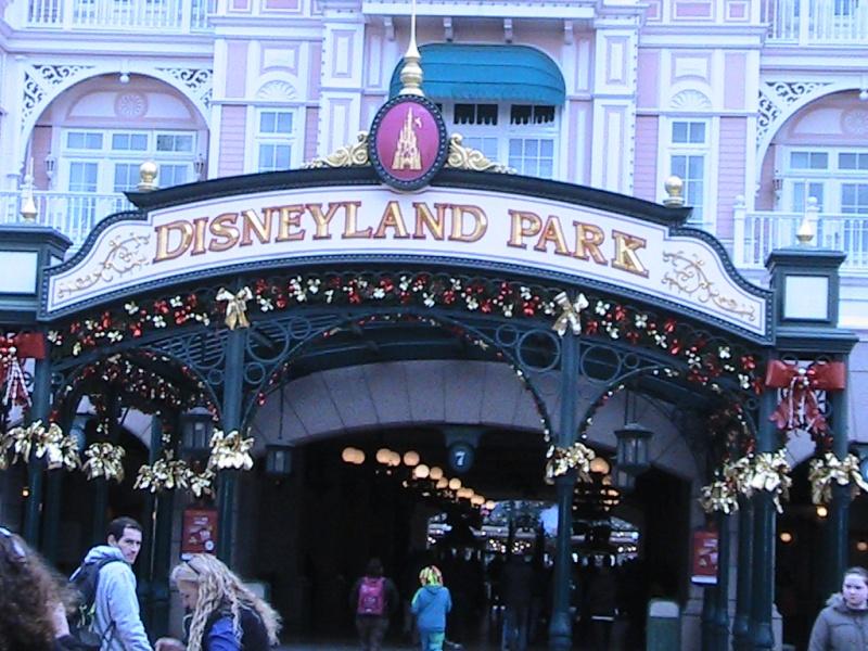 une journée magique à Disney en amoureux pour la saison de noel le 27 novembre Img_0811