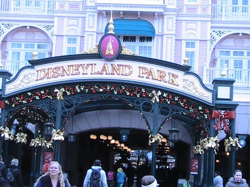 une journée magique à Disney en amoureux pour la saison de noel le 27 novembre Img_0812