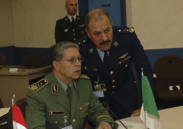 Exercice de sûreté aérienne 'Circaete' Algeri10