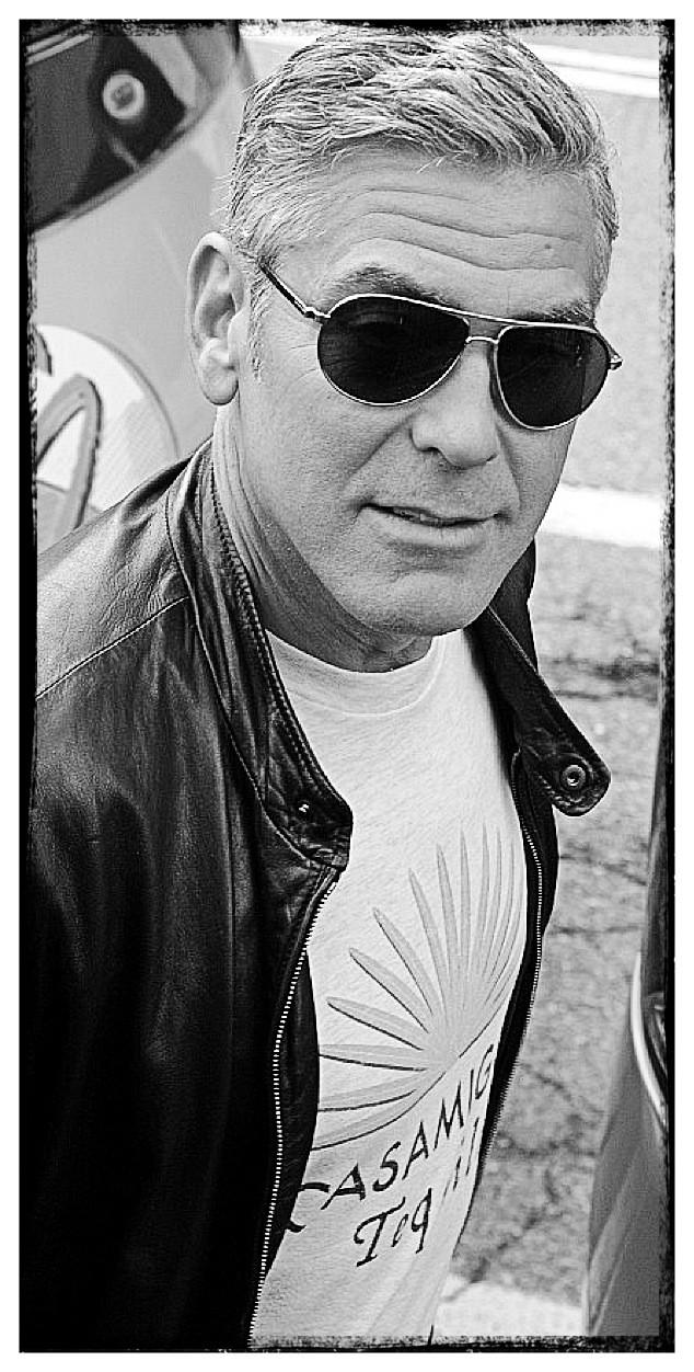 George Clooney George Clooney George Clooney! - Page 6 Img_5811