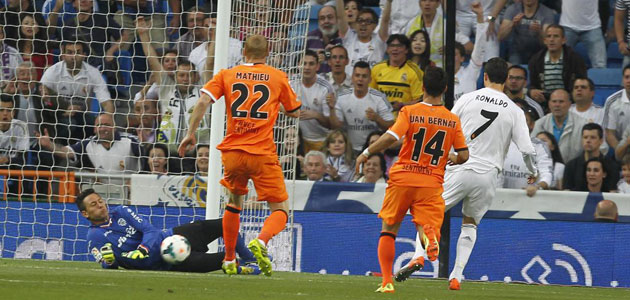 Diego Alves blocks Real's title chance Real_c10