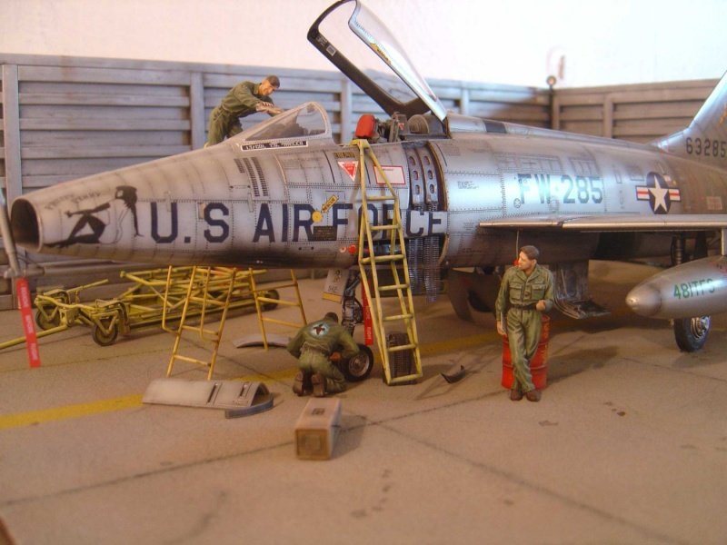 diorama F-100 super sabre trumpeter 1/32 Dsc04320