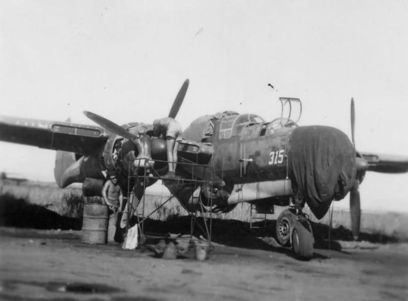 P-61  BLACK WIDOW / HOBBY BOSS 1/32 ( diorama ) P-61_b10