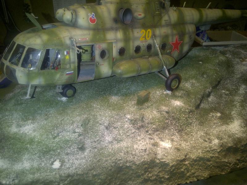 diorama hélicoptère MIL MI 8 Saint-13