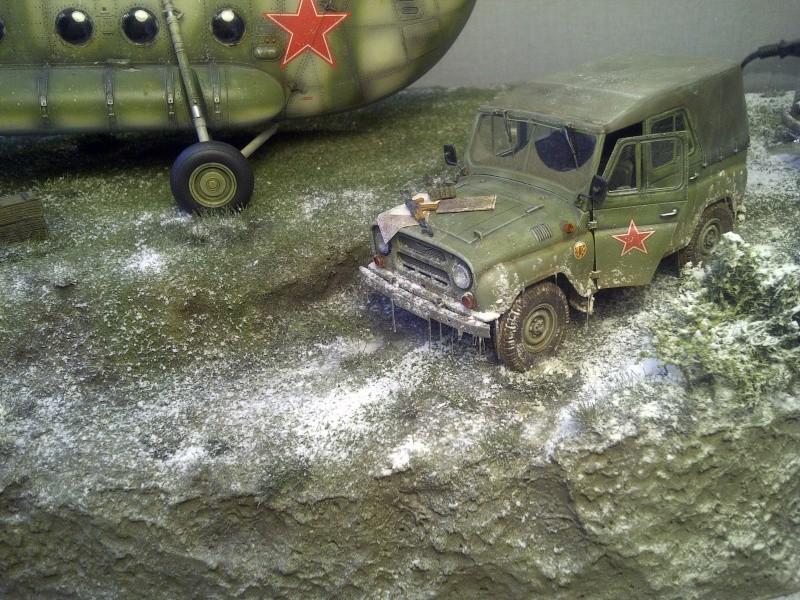 diorama hélicoptère MIL MI 8 Saint-15