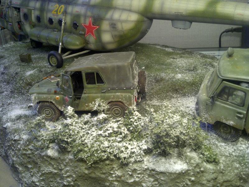 diorama hélicoptère MIL MI 8 Saint-16