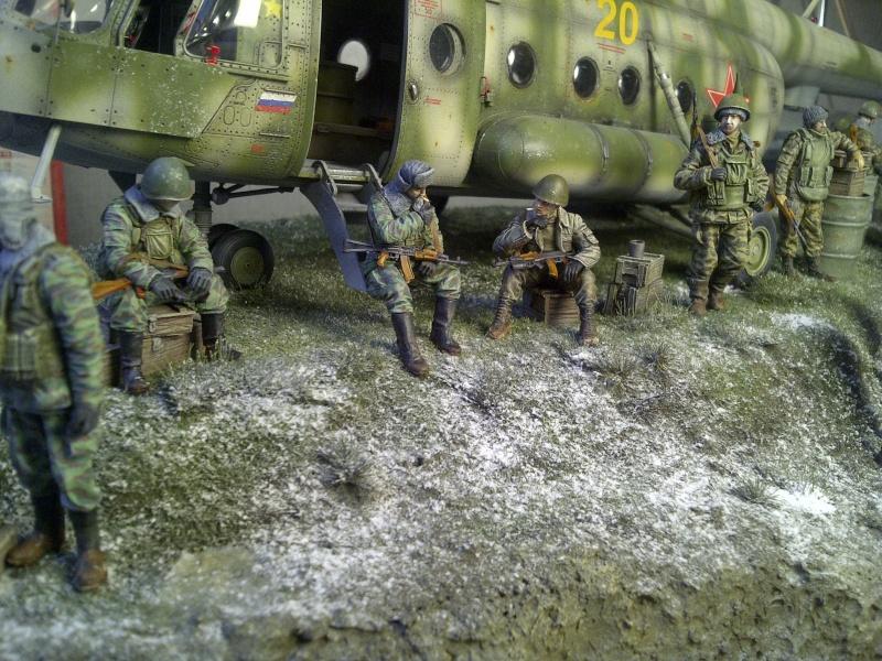 diorama hélicoptère MIL MI 8 Saint-18