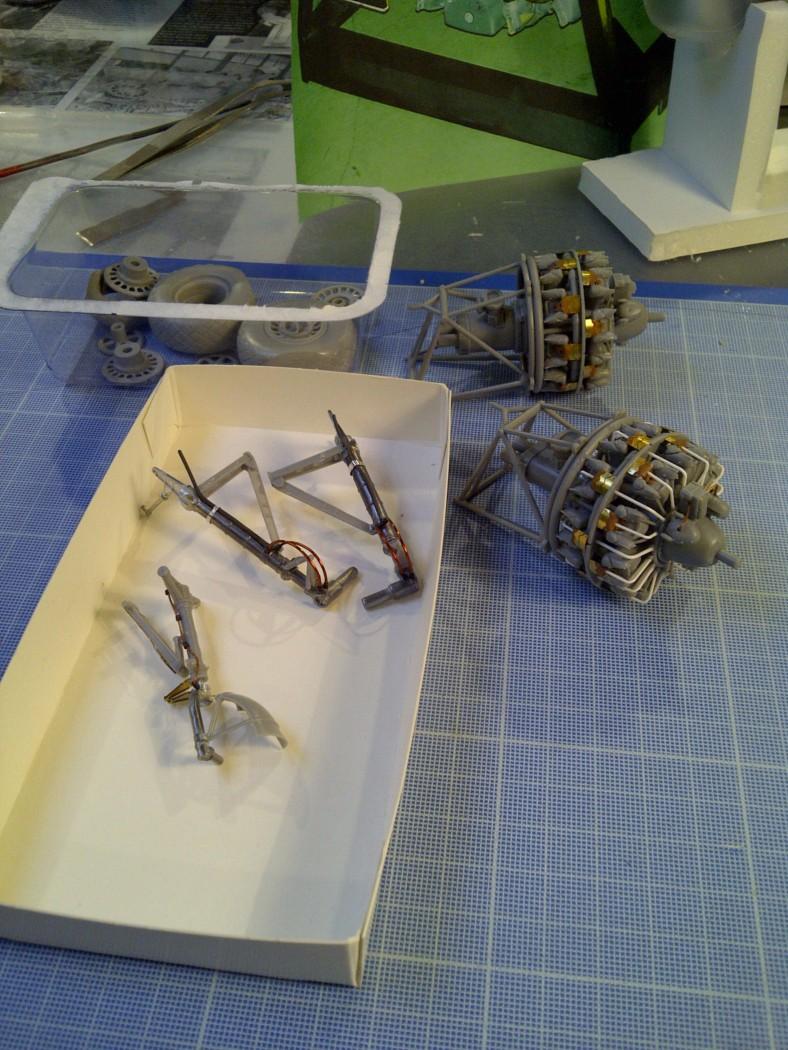 P-61  BLACK WIDOW / HOBBY BOSS 1/32 ( diorama ) Saint208