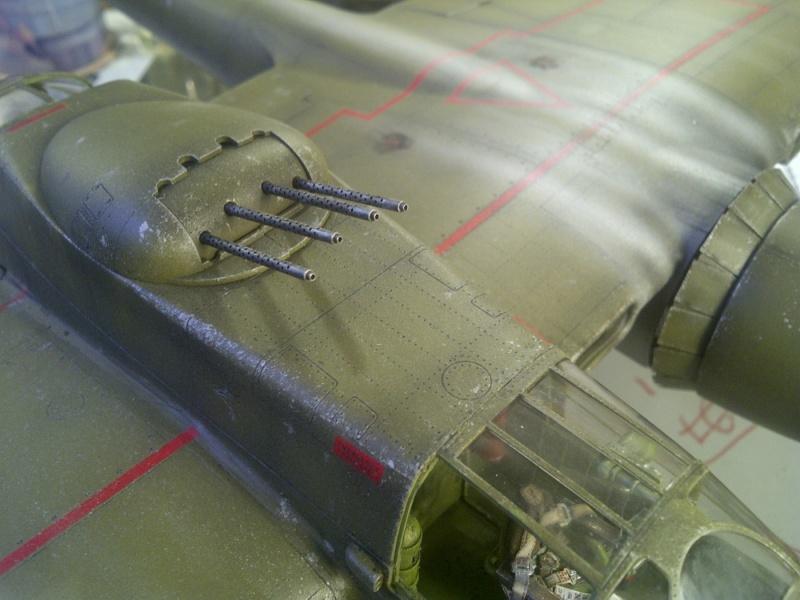 P-61  BLACK WIDOW / HOBBY BOSS 1/32 ( diorama ) - Page 2 Saint225