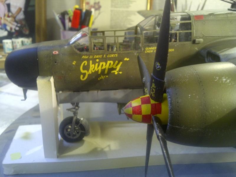 P-61  BLACK WIDOW / HOBBY BOSS 1/32 ( diorama ) - Page 2 Saint230