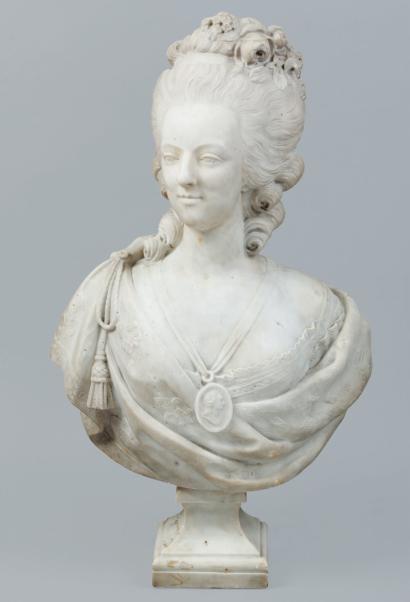 Bustes de Marie Antoinette par et d'après Félix Lecomte 27211