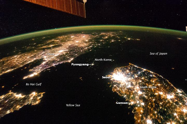 Les Corées vues depuis ISS Iss03810
