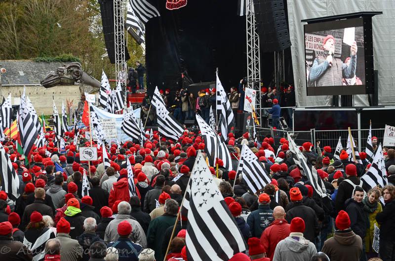 les bonnets rouges a Carhaix 30112010
