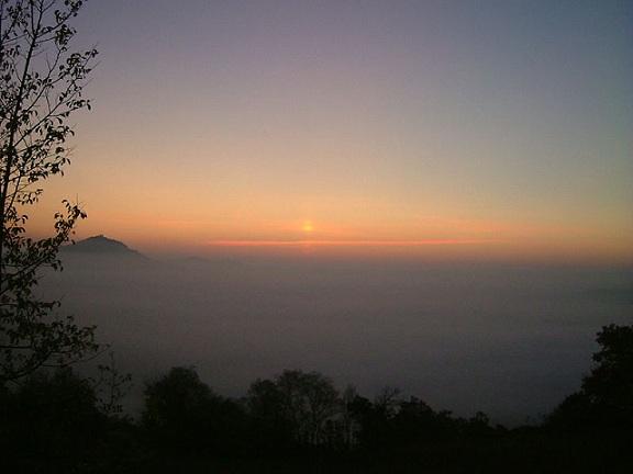 Un faux lever de soleil 800px-11