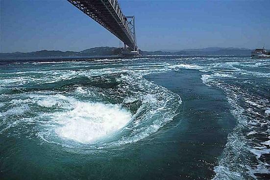 Maelstroms et courants de marée Whirl_10