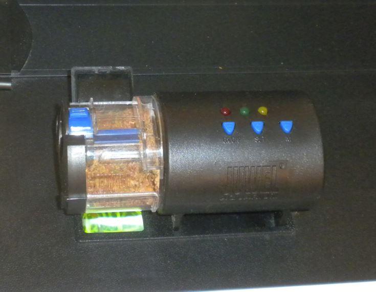distributeur automatique de nourriture Captur19