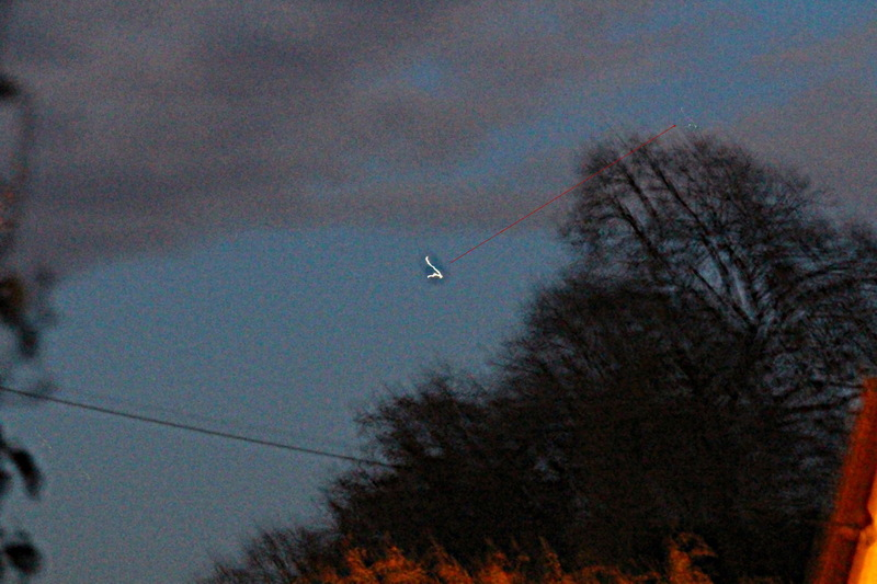 2013: le 23/11 à 7h 15 - Lumière étrange dans le ciel  - Béhen hameau de¨Boëncourt - Somme (dép.80) - Page 2 Jt6w10