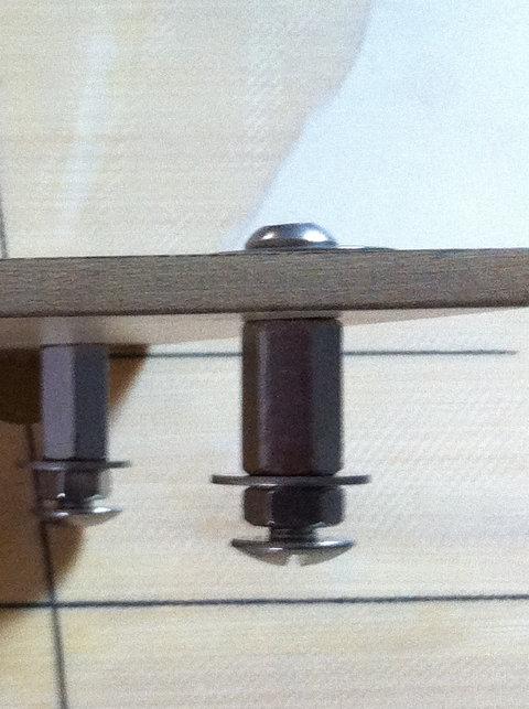 Pose d'inserts dans la planche pour foil avec embase 210
