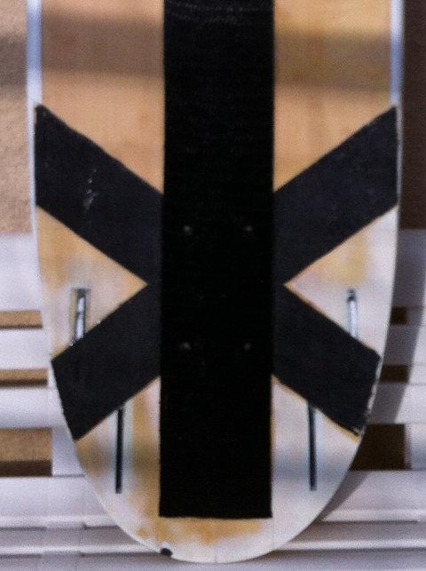 Pose d'inserts dans la planche pour foil avec embase 810