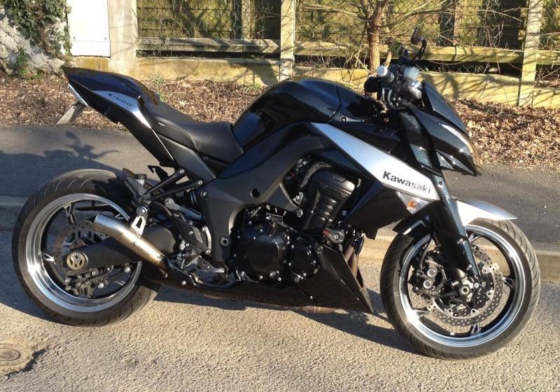 [VENDU] Kawasaki Z 1000 2010 noir et grise Latara11