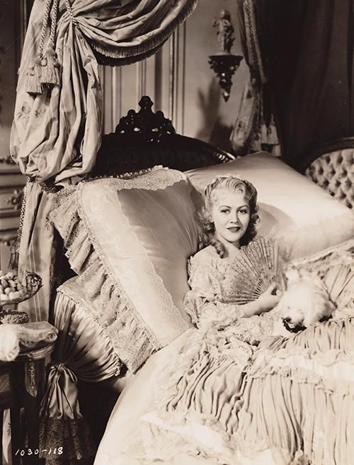 Madame Du Barry au cinéma - Page 3 00110
