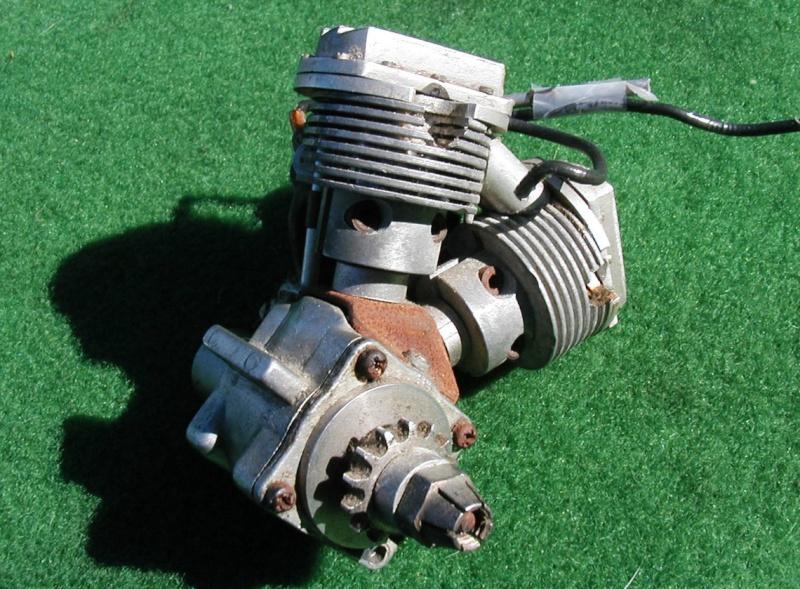 V Twin model engine Engine10