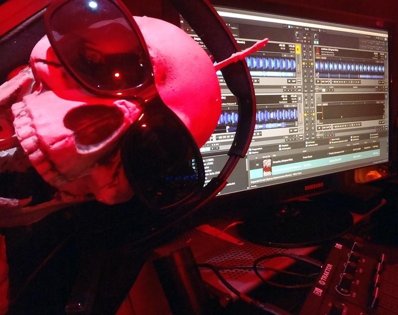 KRISTOF.T Techno LiveStream #002 Samedi 2 Novembre à partir de 15h Pb020014