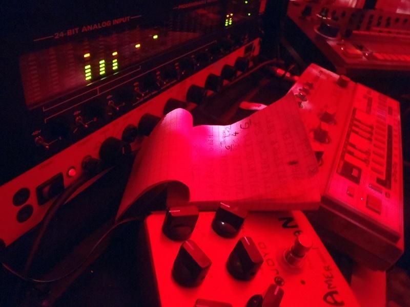KRISTOF.T Techno LiveStream #002 Samedi 2 Novembre à partir de 15h Pb020017