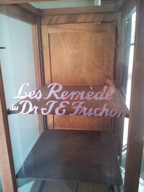 """Présentoir """"Les Remède du Dr. J.E. Frichon"""" 12810"""