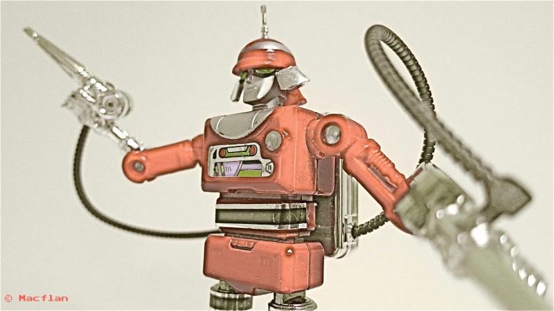 ULYSSE 31 : les jouets vintage et produits dérivés Robot_17