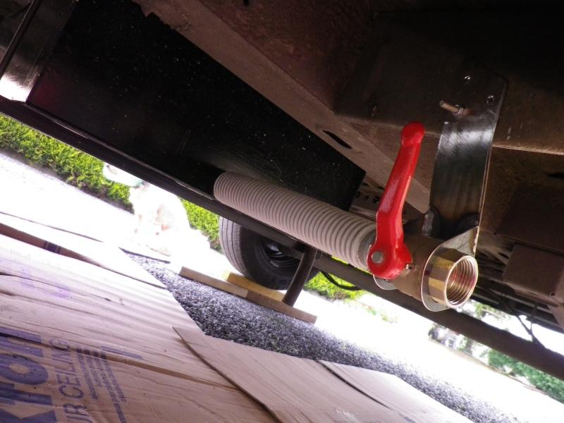 Aménagement perso de mon Master Renault L3 H2 100 CH DCI année 2010  - Page 2 Imgp4013