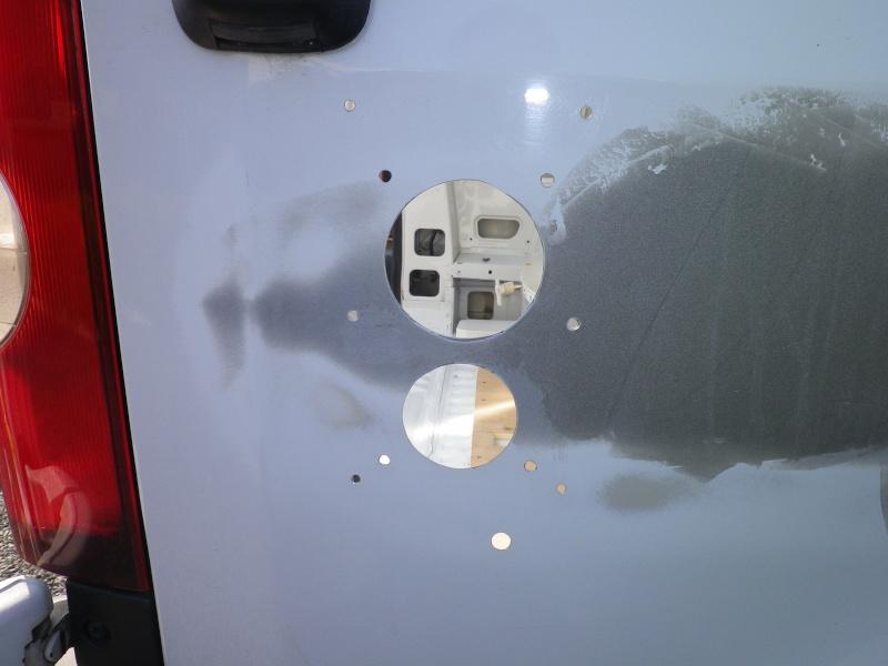 Aménagement perso de mon Master Renault L3 H2 100 CH DCI année 2010  - Page 4 Imgp4016