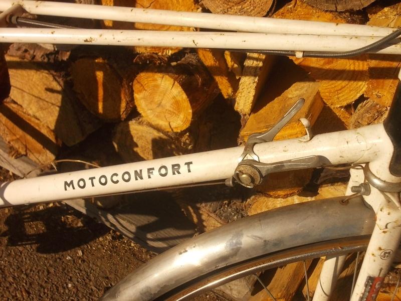 MoToConfort mixte D 10 M  1976 tubes 1020 ( 1ère série )  2014-631