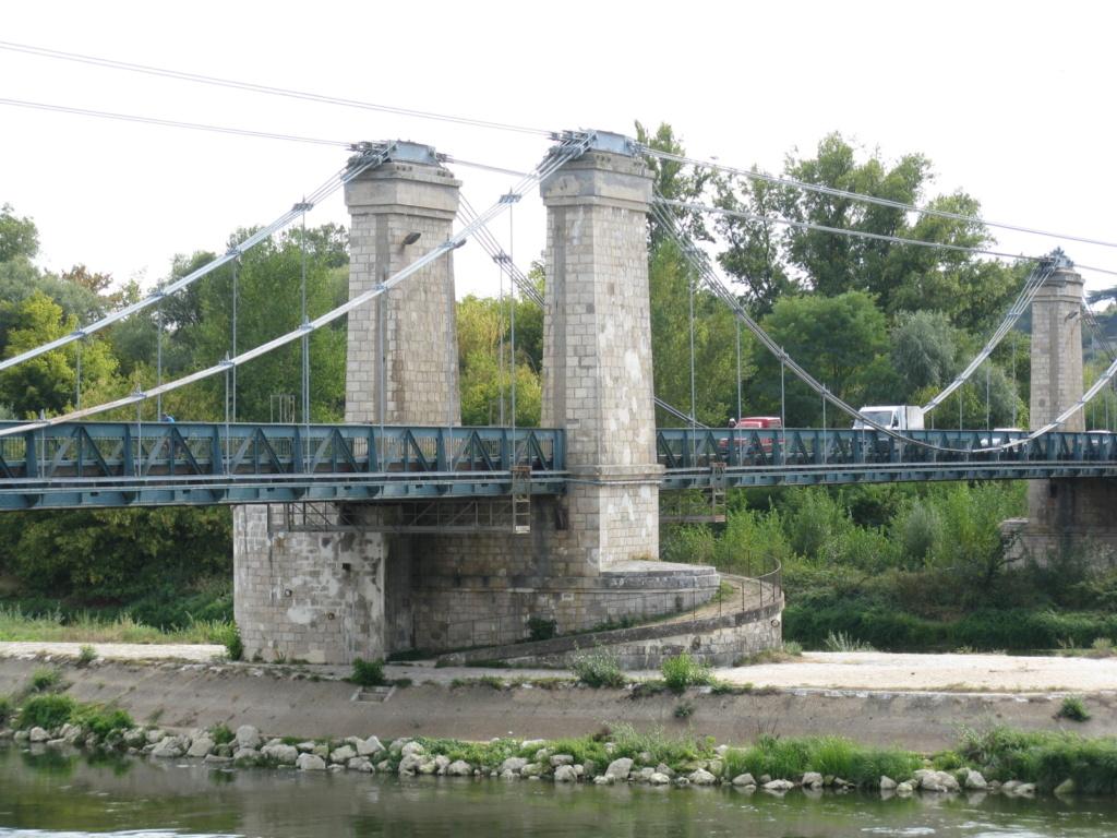 des ponts et un camions Img_3348