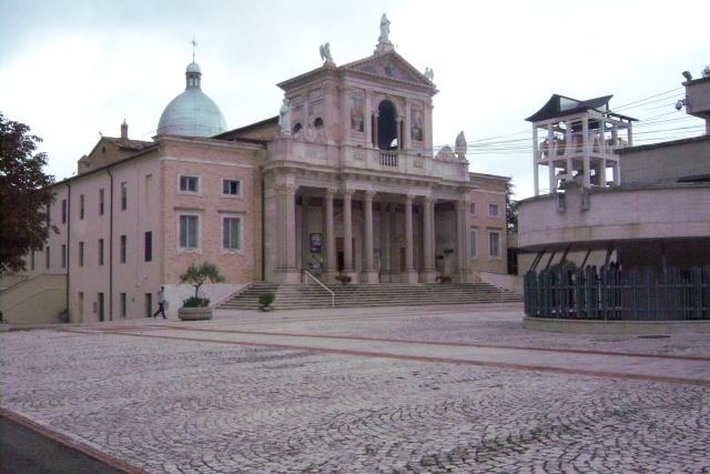 Venez voir le Santuaire de St Gabriel, province de Teramo 100_5612