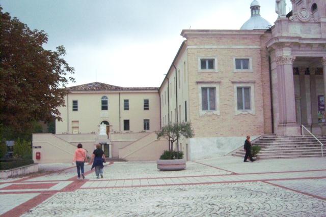 Venez voir le Santuaire de St Gabriel, province de Teramo 100_5613