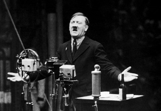 voce maschile Adolf_12