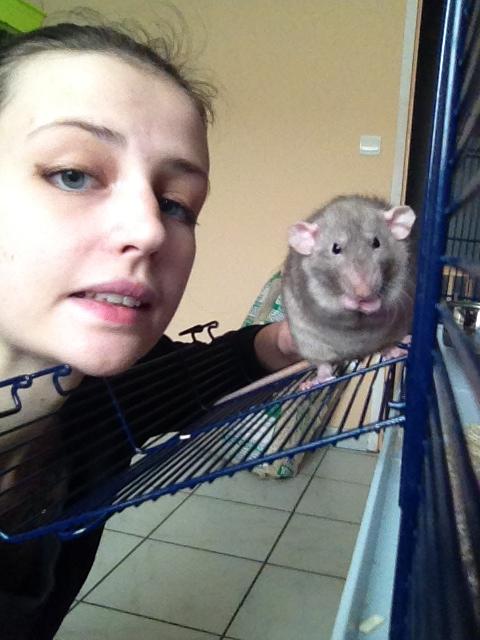 Oyé oyé ! Voici les princesses de Mlle Rat-Leuse ! - Page 3 Img_6811