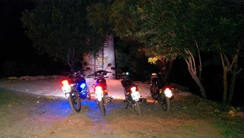 Mercenarios 04:  23 a 25/11 - Uruguayana y Uruguay (Viaje aniversario del foro) - Página 11 Motos_11