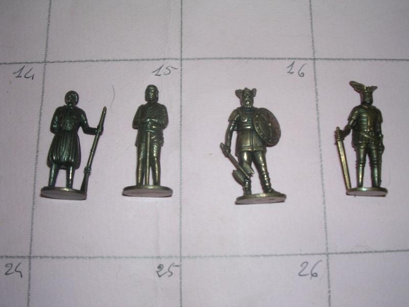 soldatini kinder in metallo 01112