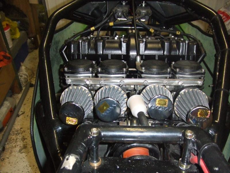moteur z900/1000 avec carbu de 34 dans cadre martin  Dscf3117