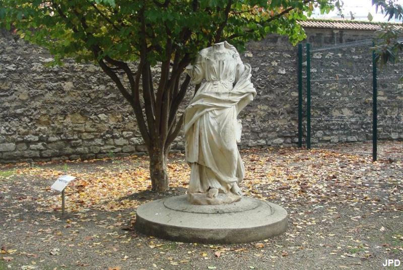 Sainte-Anne, Hôpital Psychiatrique - Neptune