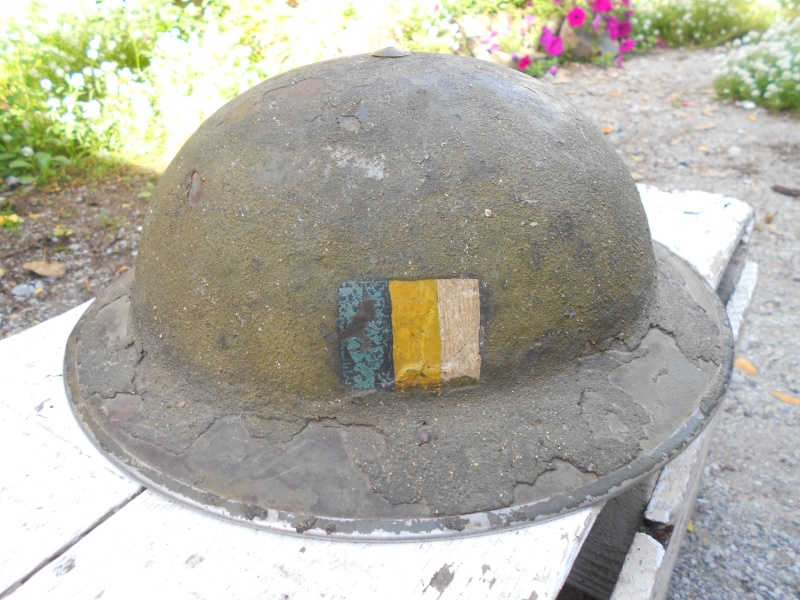Lets see your favorite worn Canadian/Commonwealth helmets with nice aged patina 03111
