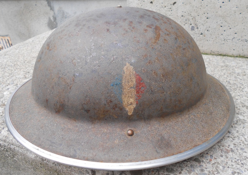 Lets see your favorite worn Canadian/Commonwealth helmets with nice aged patina Ff112