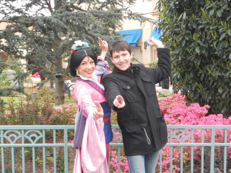 Vos photos avec les Personnages Disney - Page 2 Dscn0412